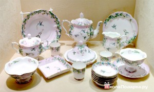 Как выбрать посуду женщине в подарок букет цветов на свадьбу невесте