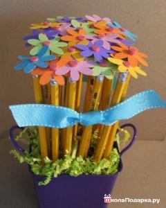 Подарок бабушке своими руками - цветы из карандашей