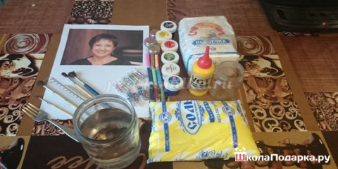 Как сделать подарок бабушке своими руками?