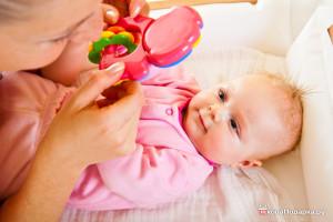 что подарить новорожденной девочке-игрушки