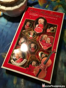 подарок музыканту-набор конфет Моцарт
