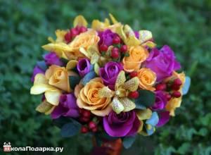 букет-цветов-женщине-льву