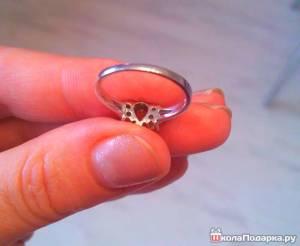 кольцо-девушке-в-почтовом-конверте