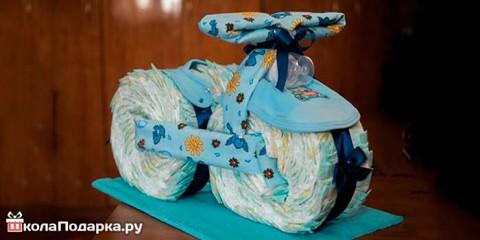 Как сделать подарок из памперсов для новорожденного?
