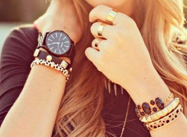 украшение-часы-на-новый-год-жене