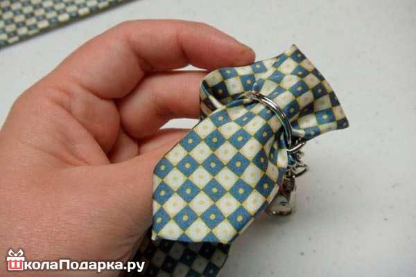 Брелок-из-галстука6