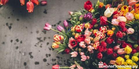 Идеи подарков для бабушки на 8 марта