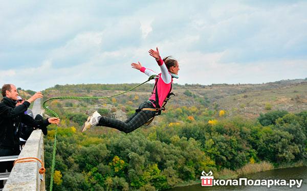 прыжок-на-верёвке-(роупджампинг)