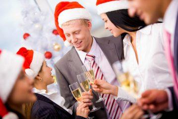 Что можно подарить коллегам на Новый год 2020