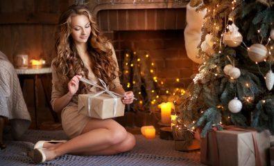 Что подарить женщине на Новый год 2020