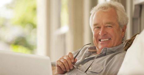 Что подарить мужчине на 70 лет
