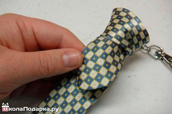 Брелок-из-галстука7